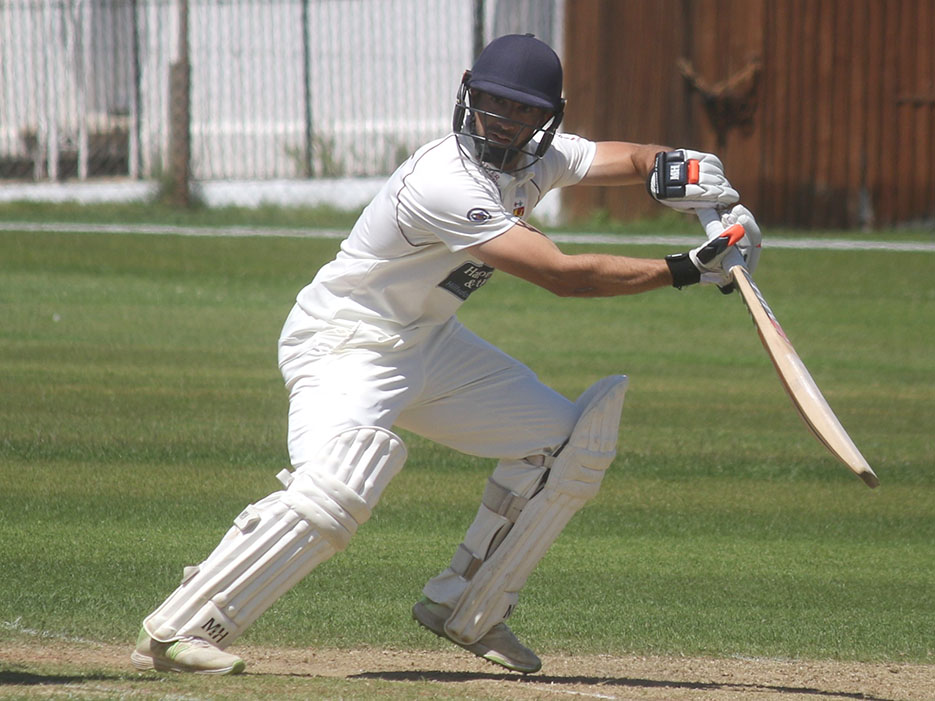 Alex Barrow, who completed a second Premier ton this season<br>credit: Gerry Hunt