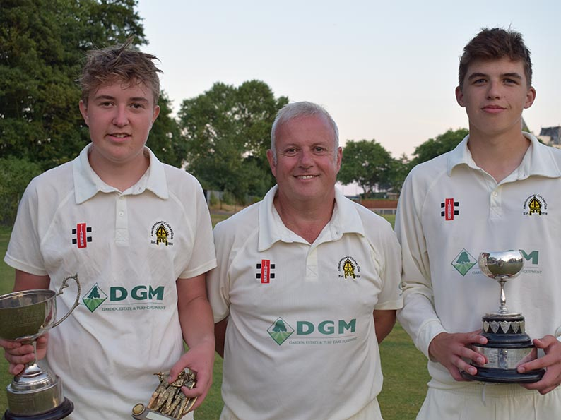 Left to right are man of the match Charlie Smout-Cooper, veteran finalist Paul Mitchell and winning captain Elliott Adams